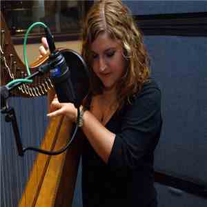 Gillian Grassie - Folkadelphia Session 9​/​22​/​2013